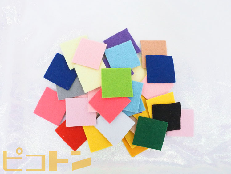 フェルトも様々な色を好きに使うことができます。