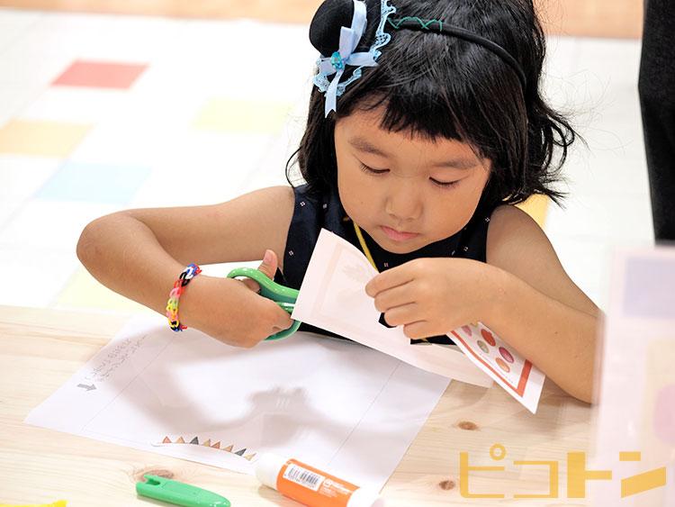 こちらは「アートタオル」を他のイベントでも工作してくれているお子さまです。